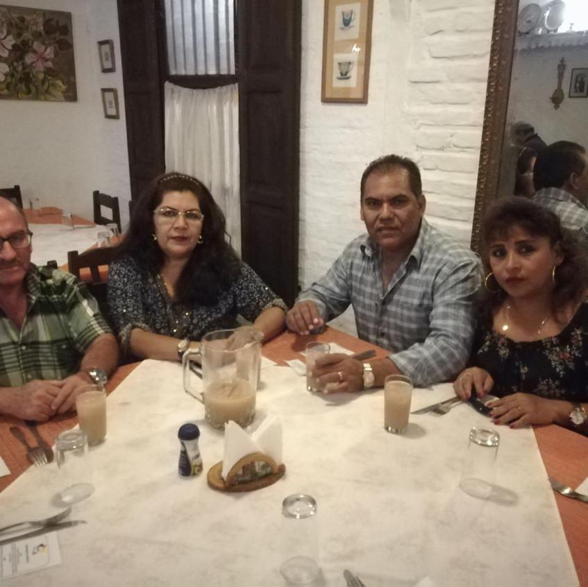 Roberto y familia