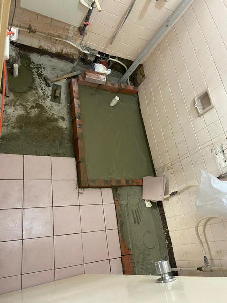 浴室漏水,做防水滲漏工程