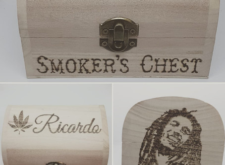 Vivid Vinyls Personalised Smokers Chest