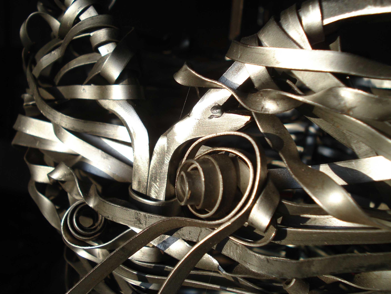 détail du bustier - métal - 2009