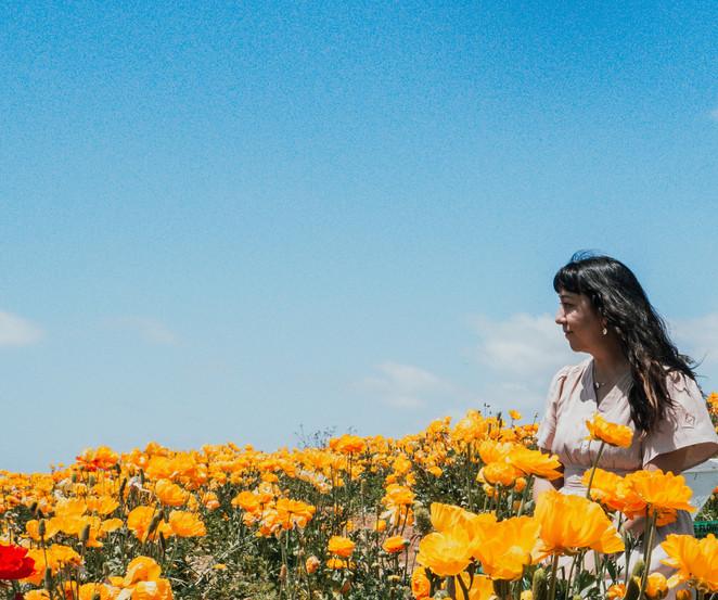Jolene goes to the Flower Fields - 2021
