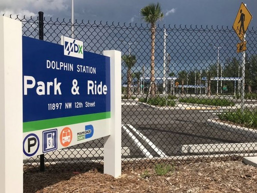 Parada de Autobuses Estación Dolphin ● Dolphin Station Park and Ride
