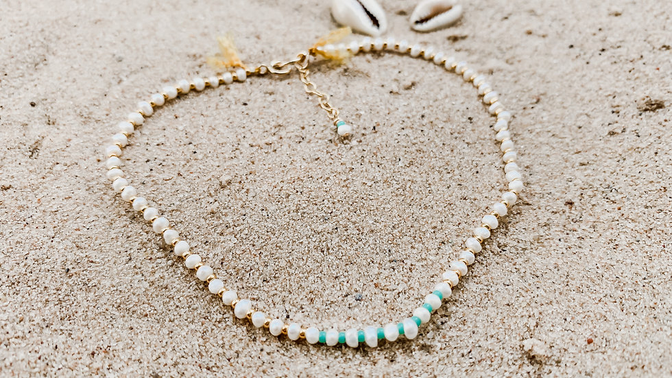 The Colour-pop Pearl Anklet