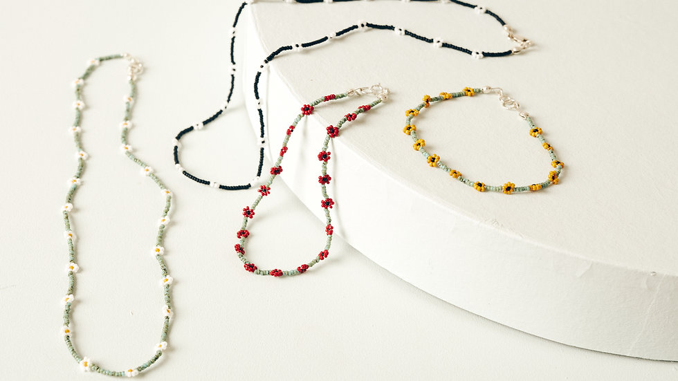 The Daisy Chain Anklet