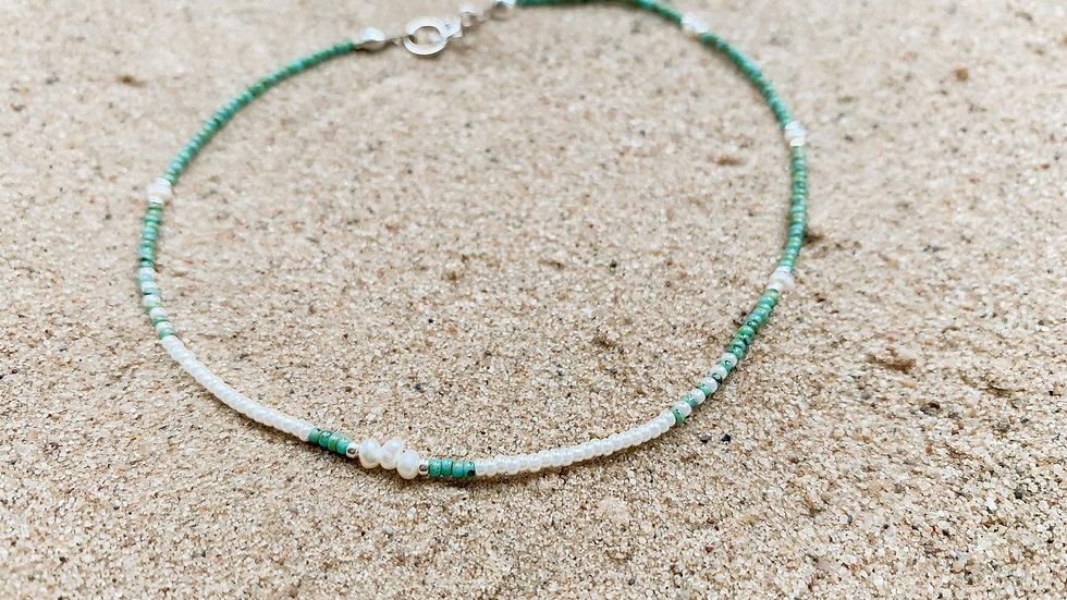 The Scatter Pearl Bracelet