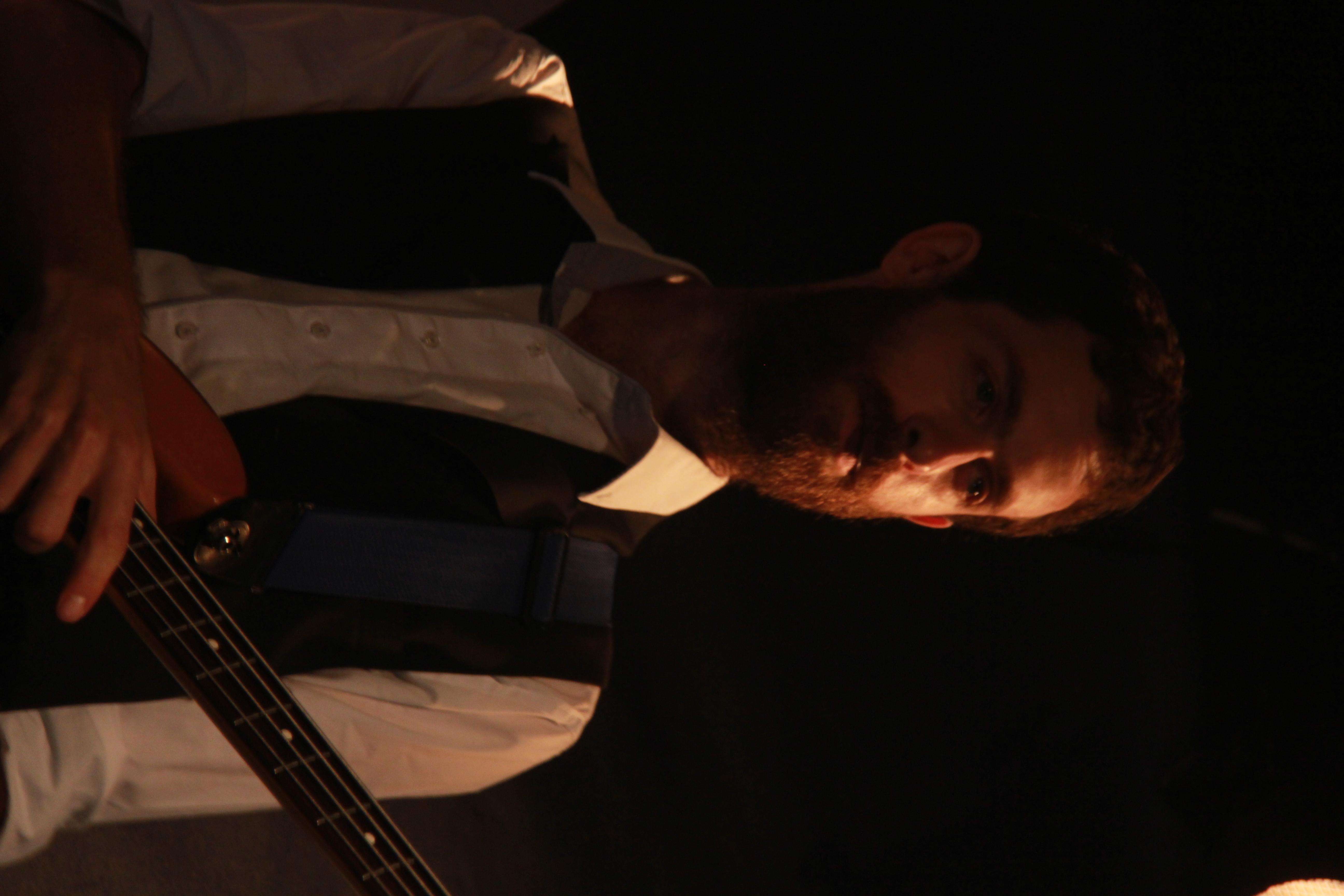 אסף וגמן- גיטרה בס