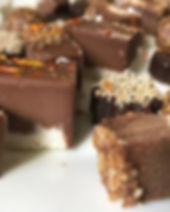 Süßigkeiten_auf_Teller_nah1.JPG
