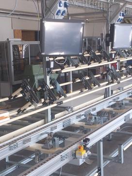 Poloautomatické výrobní linky – tsubaki dopravníky