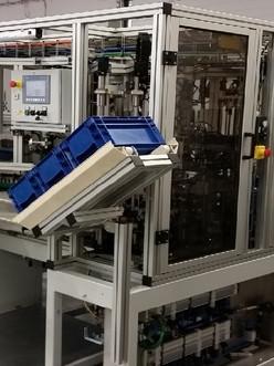 Automatické montážní stroje