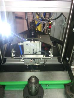 Verifikace laserem vypáleného labelu na válcové ploše
