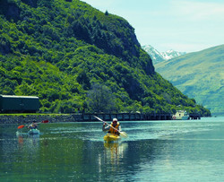 Kayaking in Lake Wakatipu