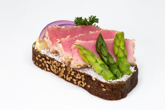 tuna steak.jpg