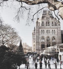 Who said winter is for hibernation_ #london #city #iceskating #mydarlinglondon #londonmoment #urbana