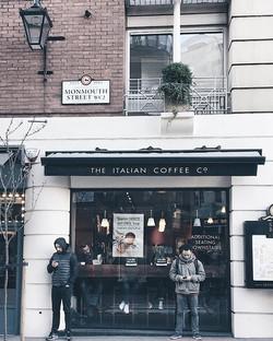 Can't Monday without coffee! #monday #mydarlinglondon #london #thisislondon #igerslondon #city #coff