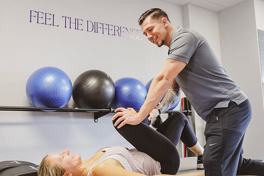 assisted stretching trainer