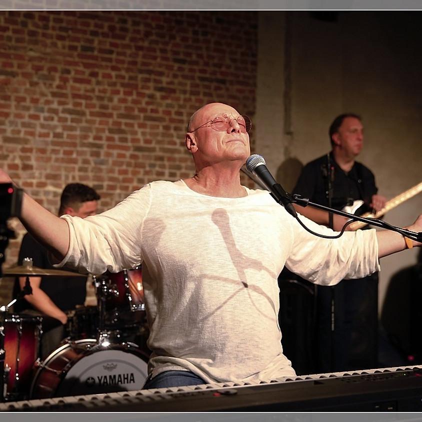 Tony O'Malley in concert (trio)