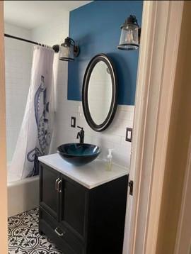 bathroom%20darker_edited.jpg