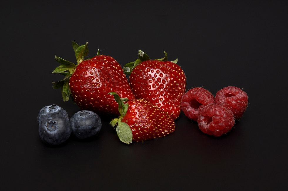 strawberries-2318368_1920.jpg