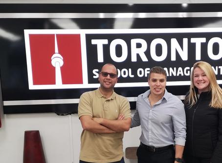 Quick Tour: conheça a Toronto School of Management.