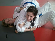 ladies%20bjj%20arm%20bar.jpg