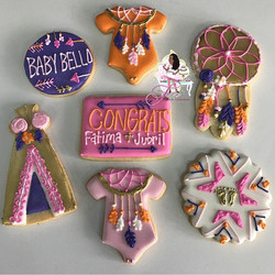 Love these boho chic cookies 😍💐👶🏾🍪