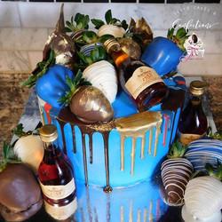 😋🤤 Chocolate covered strawberries 🍓 + Drip cake 🎂 = Heaven 😍👅🙌🏾