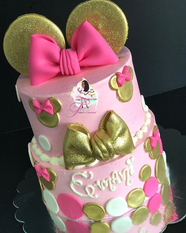 Gorgeous #minniemousecake for E'Mani's 10th Birthday! 🎀✨