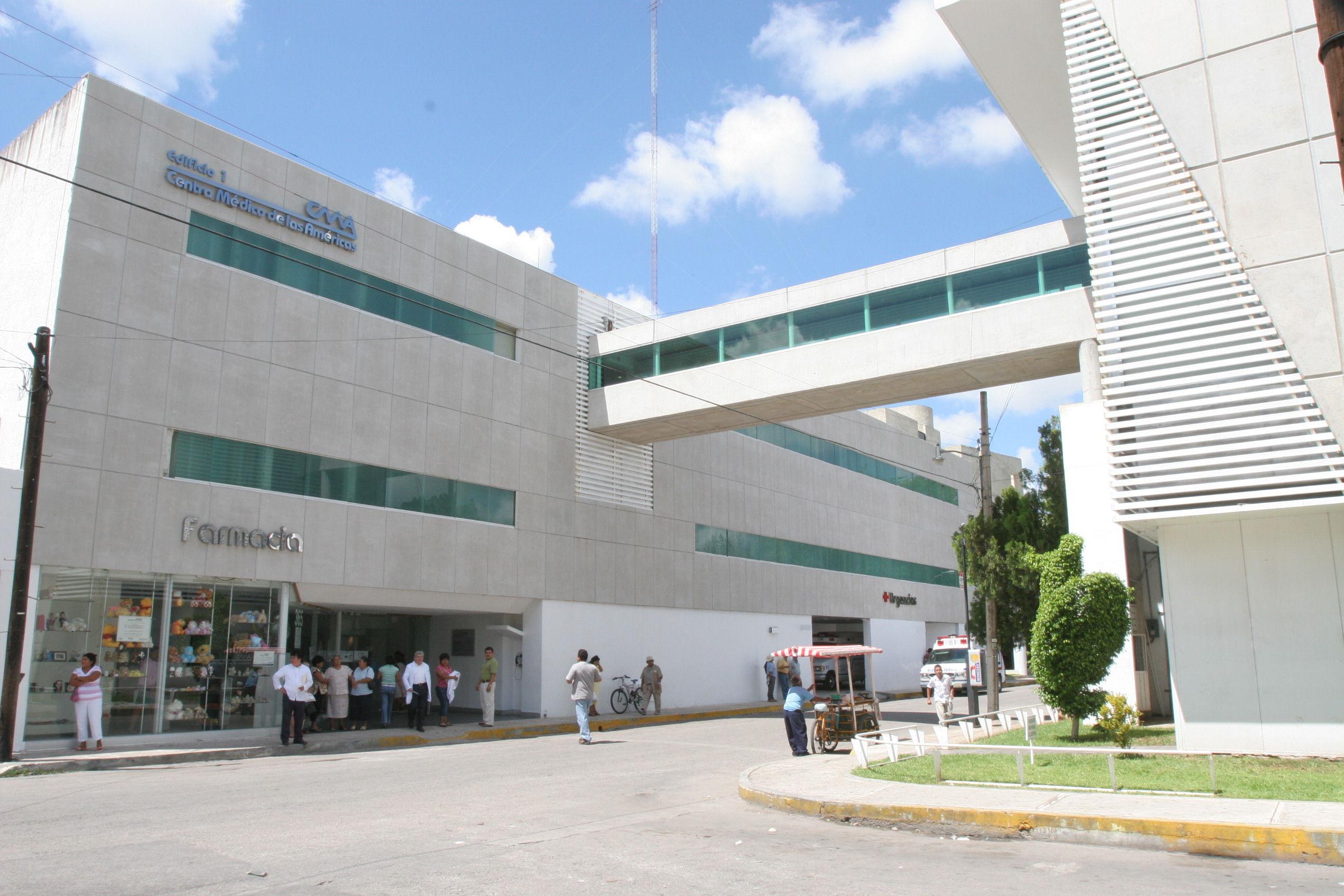 2007-10-12_Suplemento_Centro_Médico_de_las_Américas._Fachada_del_edificio_del_CMA,_con_el_moderno_pu