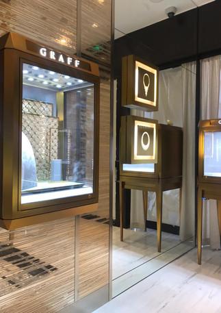 Graff- display case