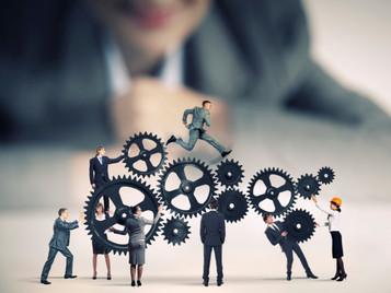 Cómo logran los gerentes impulsar al mismo tiempo los resultados y el compromiso