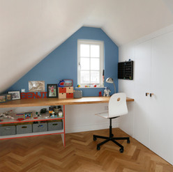 Latchmere Rd 38 - Top Bed Desk .jpg