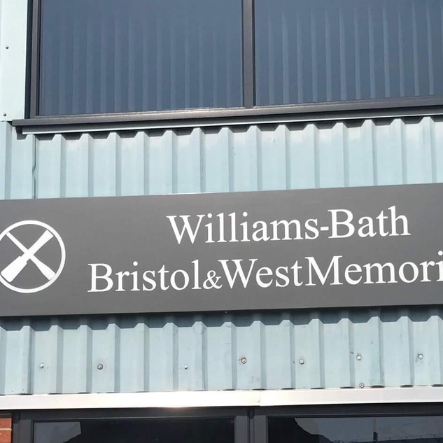 williams-removals-signage.jpg