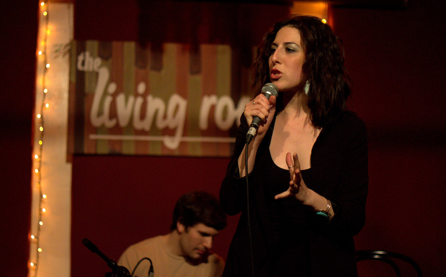 Devyn Performing at The Living Room NYC