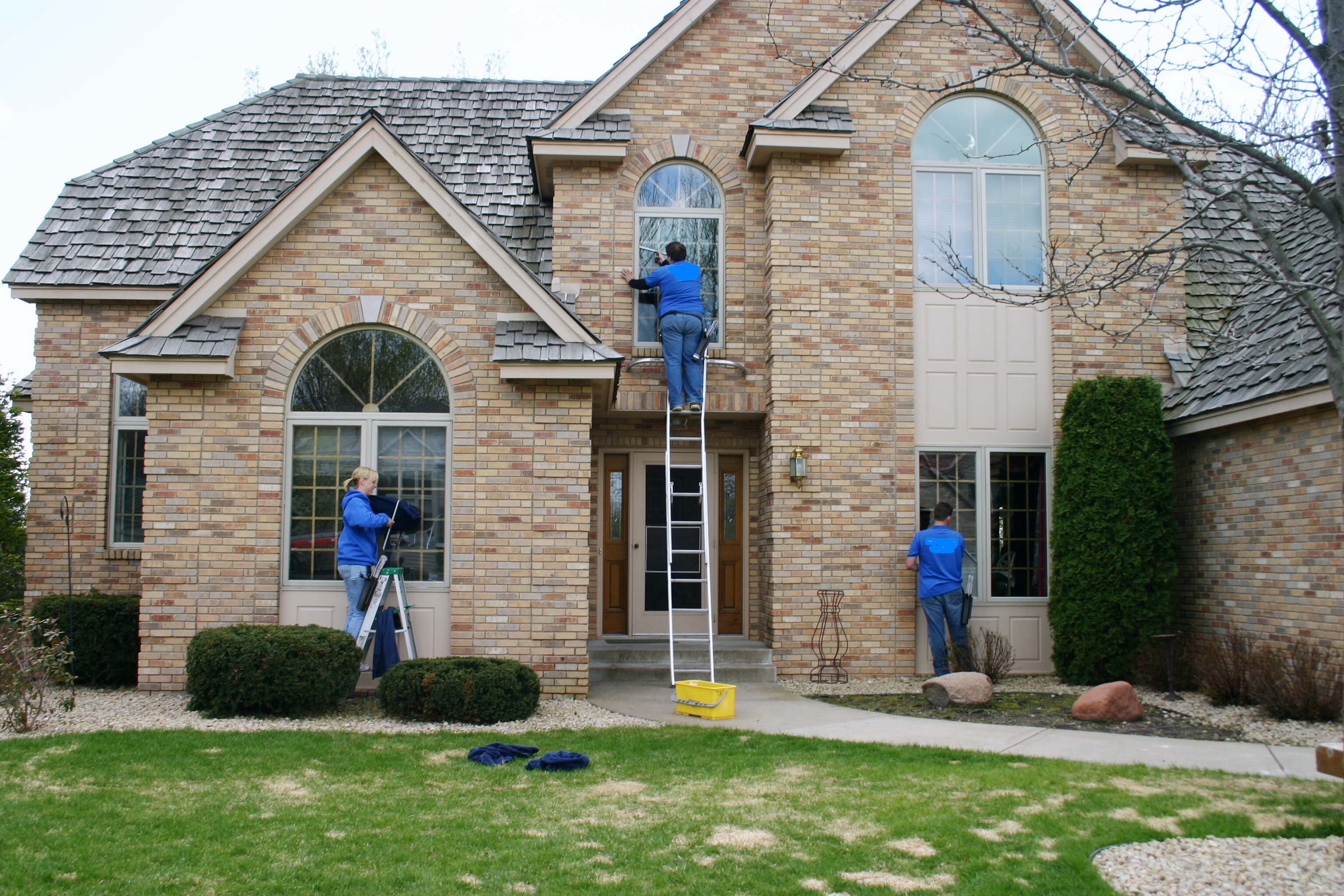 Best thing to clean windows with - How Often Should I Book A Window Cleaning Service Proclean Now Michigan Residential Cleaners
