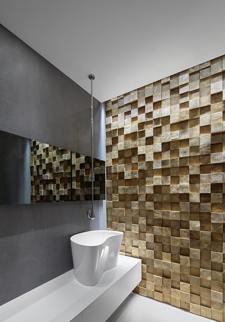Luxury apartment guest WC