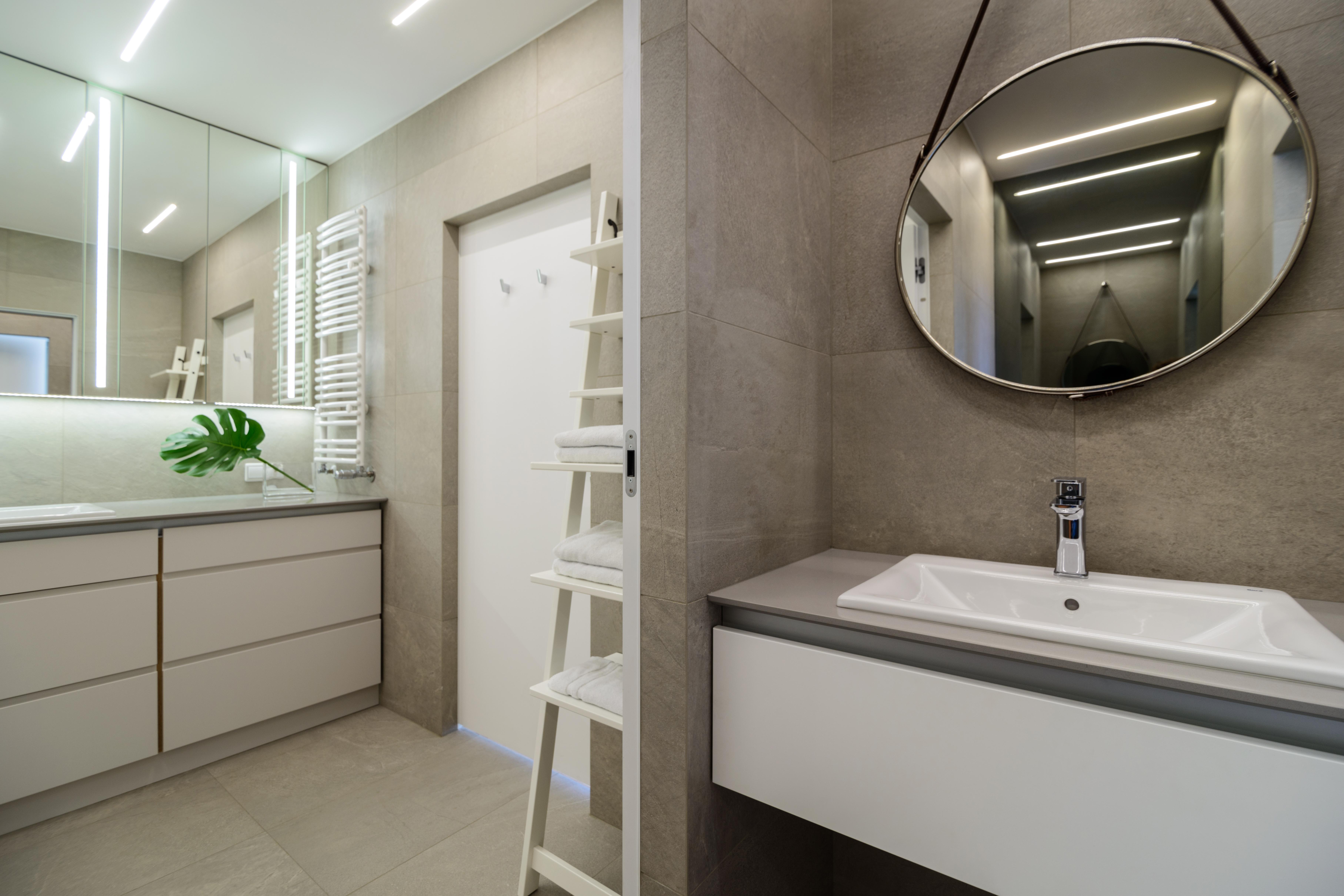 bathroom אמבטיה חדר רחצה
