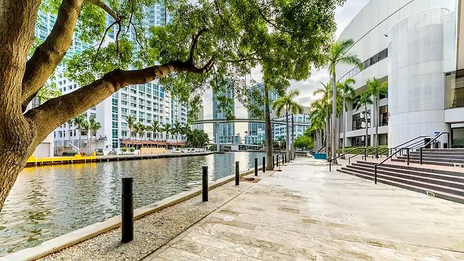Hyatt-Regency-Miami-P184-Riverwalk-Terrace.16x9.webp