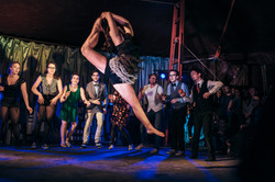 swing circus helena leap