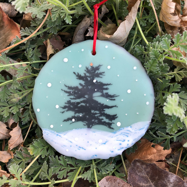 Snowfall ornament no. 8