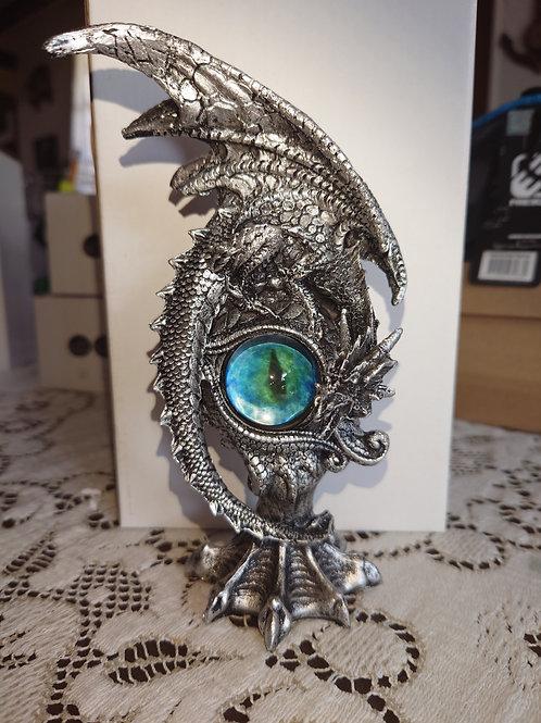 Dragon avec œil verre