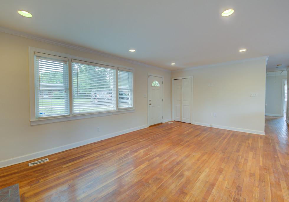 Paxton Interior (5 of 24).JPG