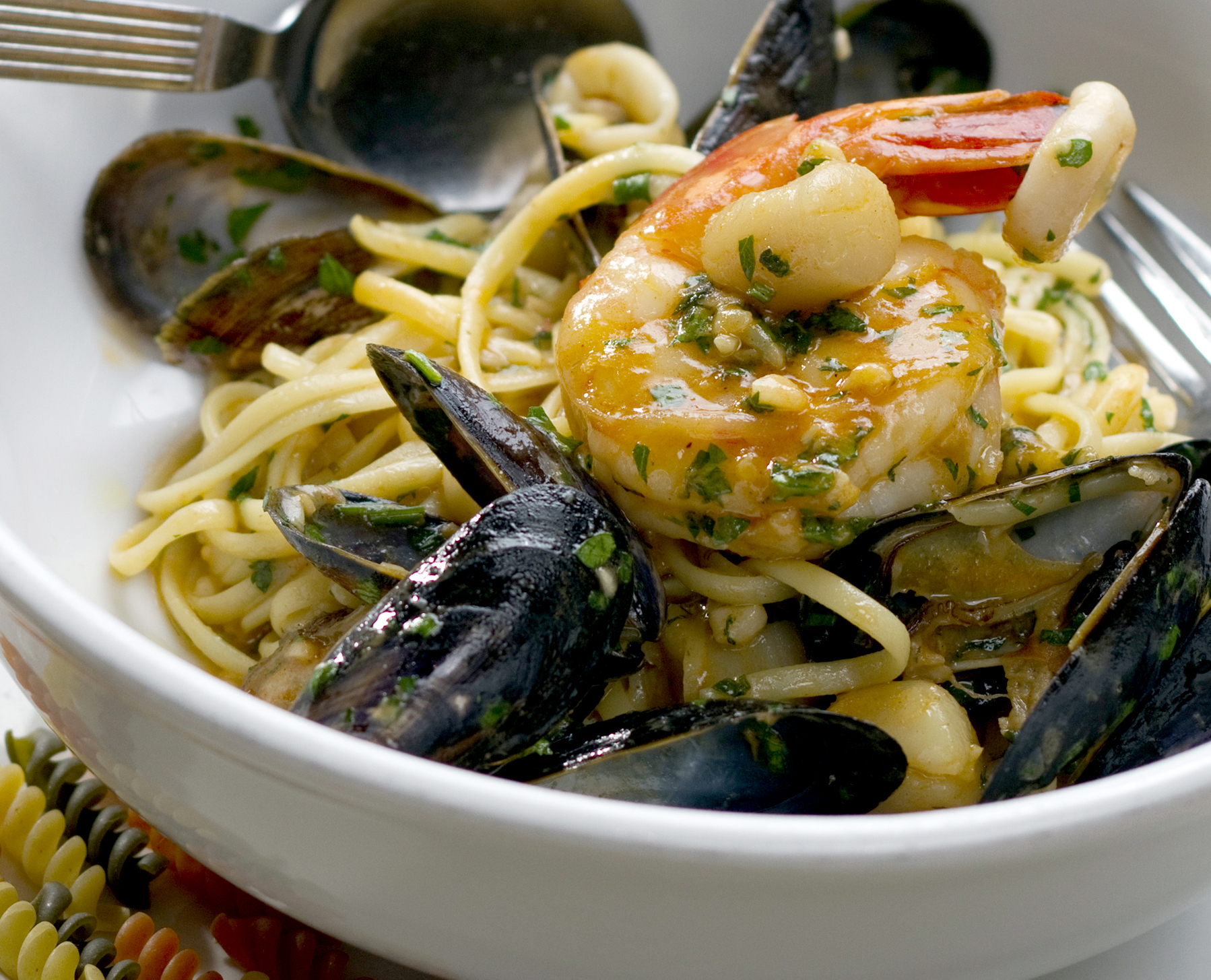 Linguine with seafood symphony