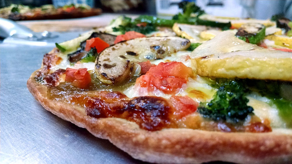 gluten-free-or-regular-thin-crust-grilled-vegetable-pizza-at-il-mito