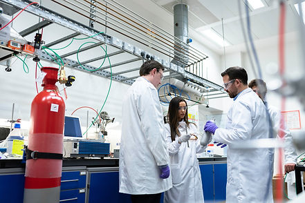 chemical-engineers-in-laboratory-3861433