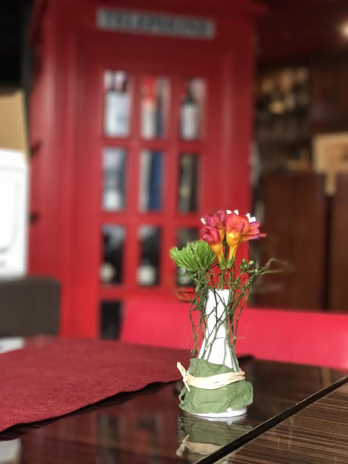 Tribeca restaurant table decoration