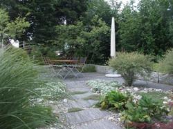 Kies im Garten - Gärten & Pools Sven Studer AG
