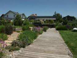 Holz im Garten - Gärten & Pools Sven Studer AG