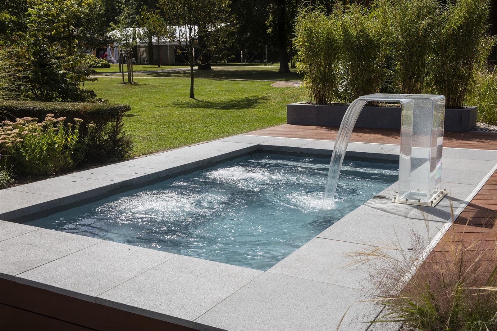 Mini Pool Im Garten : g rten pools sven studer c side der mini garten pool ~ A.2002-acura-tl-radio.info Haus und Dekorationen