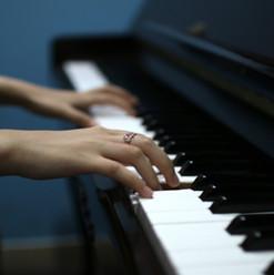 piano_small.jpg