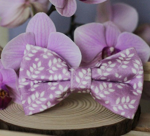 Lilac Laurel Bow Tie & Collar Sleeves